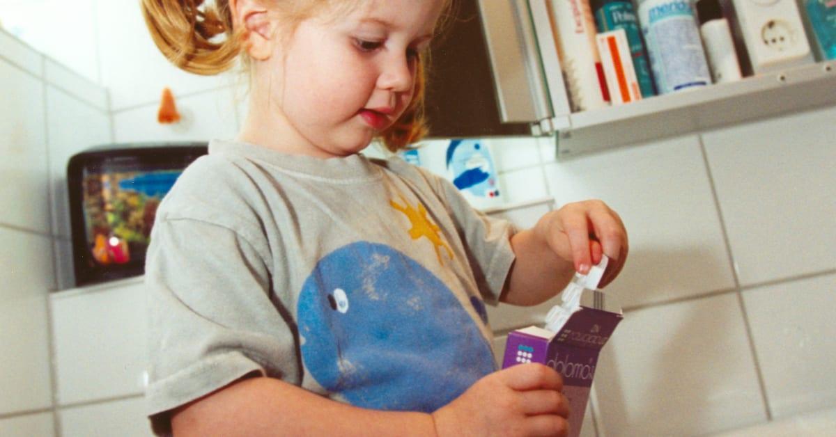 medikamente kindersicher aufbewahren signal iduna. Black Bedroom Furniture Sets. Home Design Ideas