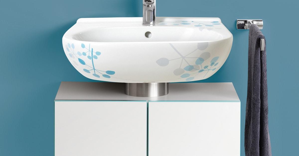 Handfat, spegel och tvättställsskåp i villeroy & bochs serie ...