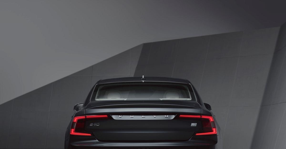 Volvo Cars introducerar uppdaterade S90- och V90-modeller och mildhybrider för hela modellprogrammet