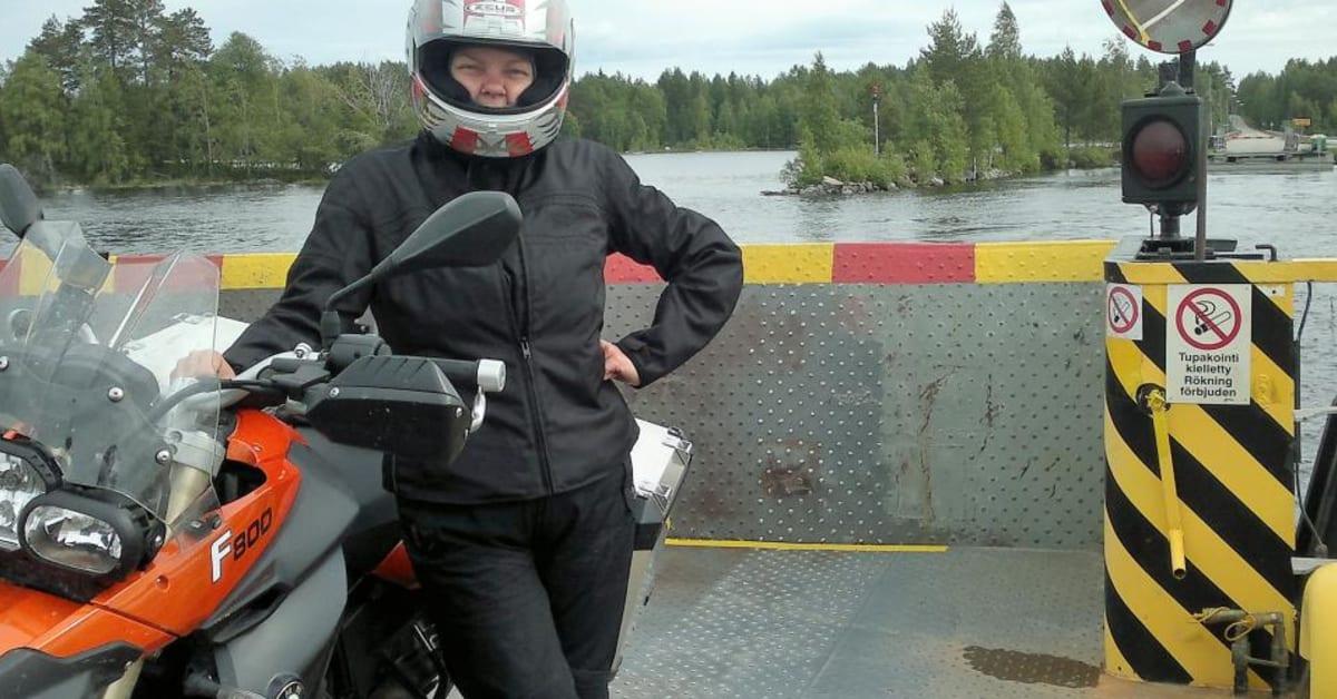 idästä länteen moottoripyörä