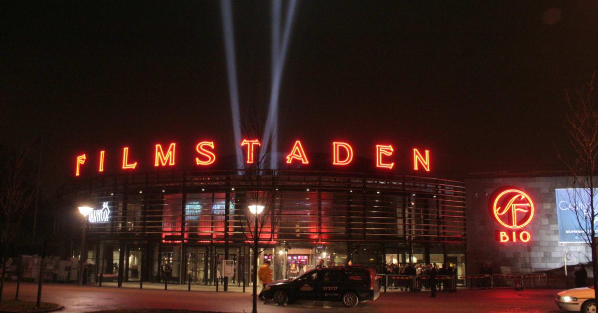 store modne bryster biografer i Odense