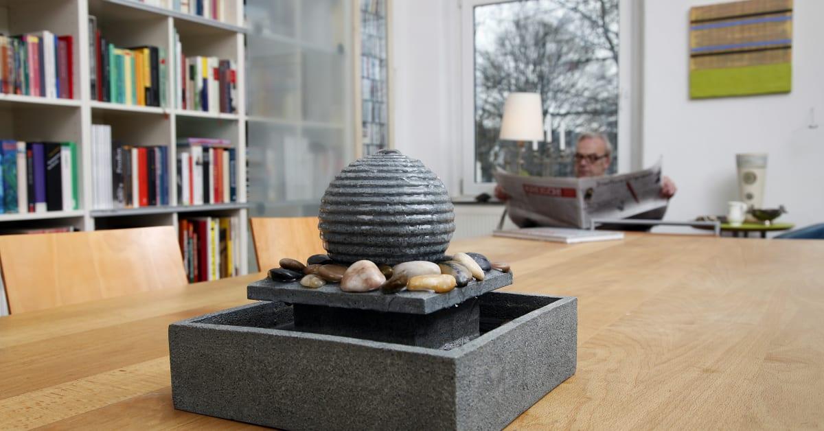 gesundes raumklima luftbefeuchter sorgf ltig warten signal iduna. Black Bedroom Furniture Sets. Home Design Ideas