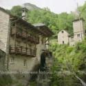 Popcorn-Duft zwischen Tessiner Steinhäusern