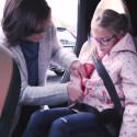 Så här sätter du ditt barn säkrast i bilen under vinterntid.