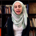 Shada el-Sayed från Books for Syria berättar om organisationen och om Det flygande tältet