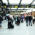Migrationsverket tar emot asylsökande på Malmö central