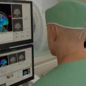 Hjärnoperation utan att öppna kraniet