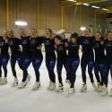 Team Surprise: Synkrona bilder på och vid sidan av isen