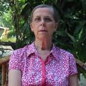 Kvinnorna som skapar Telefondagiset och volontären Jacky som berättar hur de har det