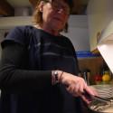 Christina Jansson ordnar frukosten