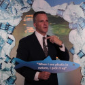 Rufus Gifford støtter kampen mod plastikforurening