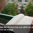 Berit bor mitt i Göteborg i två rum och kök och njuter av sin grönskande balkong.