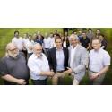 Peter Nordlund (mitten) köper Arctic Group från övriga ägare
