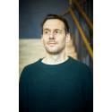Chris Clark skriver nytt till Above & Below