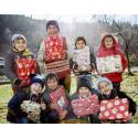 Julklappsutdelning i byskolan i Bughea de Sus utanför Bukarest