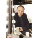 Björn Kjellman tillkommer som recitatör i Förklädd gud på Folkoperan