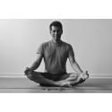 Ashtangayoga och mindfulness med Andrew Julian i Osby