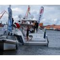Pollex följebåt hjälpte Jonas Colting simma i mål i Göteborg