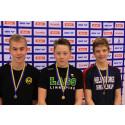 Tre medaljer till 14-årige Carl Norlander från Linköpings ASS vid första dagen av SUM-SIM