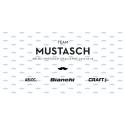 Team Mustasch cyklar snabbt och snyggt för Mustaschkampen