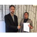Nytt avtal för branschen Personlig assistans har träffats mellan KFS och Kommunal