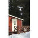 Solcellsarmatur installerad på mast - Aurora 12-watt med höga lumen