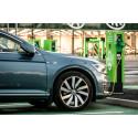 Suomen suurin, ilmainen sähköauton latauspisteiden keskittymä aukesi Ideaparkiin