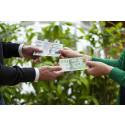 Mer kontanter och färre bankkontor