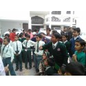 Indiska barn anordnar skolfest!