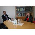 Landtagsabgeordnete Annette Schütze lernt die DSMZ in Braunschweig kennen