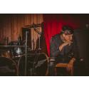 21 årig musikproducent från Göteborg skriver avtal med internationell tungviktare