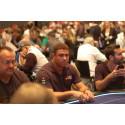 Ronaldo och Pique byter fotboll mot Poker