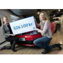 Volkswagen skänker över en halv miljon till Bris genom en unik bilauktion