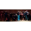 Voces Nordicae sammanför körsång och improvisationsteater i föreställningen Receptfritt