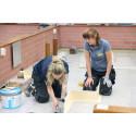 Kvinnliga hantverkare på utbildning i Amsterdam