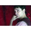 1 man, 20 roller, 2000 föreställningar – Hamlet en stand up fyller 25 år på Boulevardteatern
