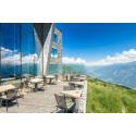 Sonne tanken auf traumhaften Schweizer Sommerterrassen