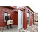 Inflyttningsdags i Sveriges mest bevakade energivilla