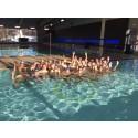 Studentidrottare på simläger