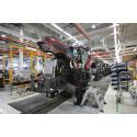 Energiaa säästyy ja olosuhteet paranevat. Valtran Suolahden tehdasalueella työskentelee noin 850 työntekijää, jotka tuottavat kuluvan vuoden aikana noin 8 500 Valtra-traktoria eri puolille maailmaa.