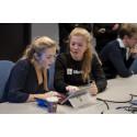 Syvendeklassinger kurset stortingspolitikere i koding