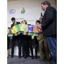 Elever från 13 länder uppmanar världens ledare att åta sig klimatåtgärder för framtida generationer