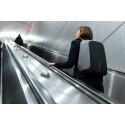 Stöldskyddad ryggäck i rulltrappan