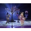Körsbärsträden blommar! Det firar Musse och Mimmi med alla sina vänner – på is