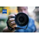 Zeiss lanserer lyssterkt allroundobjektiv for Sony FE
