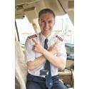 Piloter støtter brysterne og flyver pink i oktober