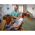 Barbering og afbrændte næsehår: 21 kr.