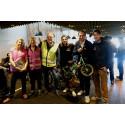 Generösa Stockholmare skänkte cyklar till nyanlända svenskar på Clarion Hotel Stockholms cykelinsamling