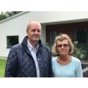 Tommie och Lena sökte bygglov - tvingades skänka mark till Vellinge kommun
