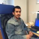 Raghad flydde till Sverige för tre år sedan - nu lär han nyanlända svenska